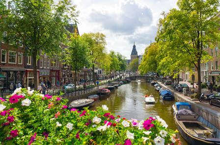 Ideaal gelegen 4-sterren hotel in Amsterdam: verken de stad waar alles kan