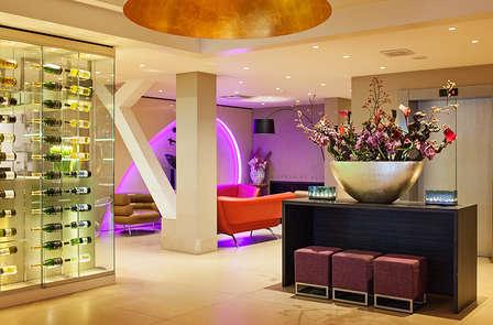 Geniet van een Amsterdams design hotel omringd door vele bezienswaardigheden