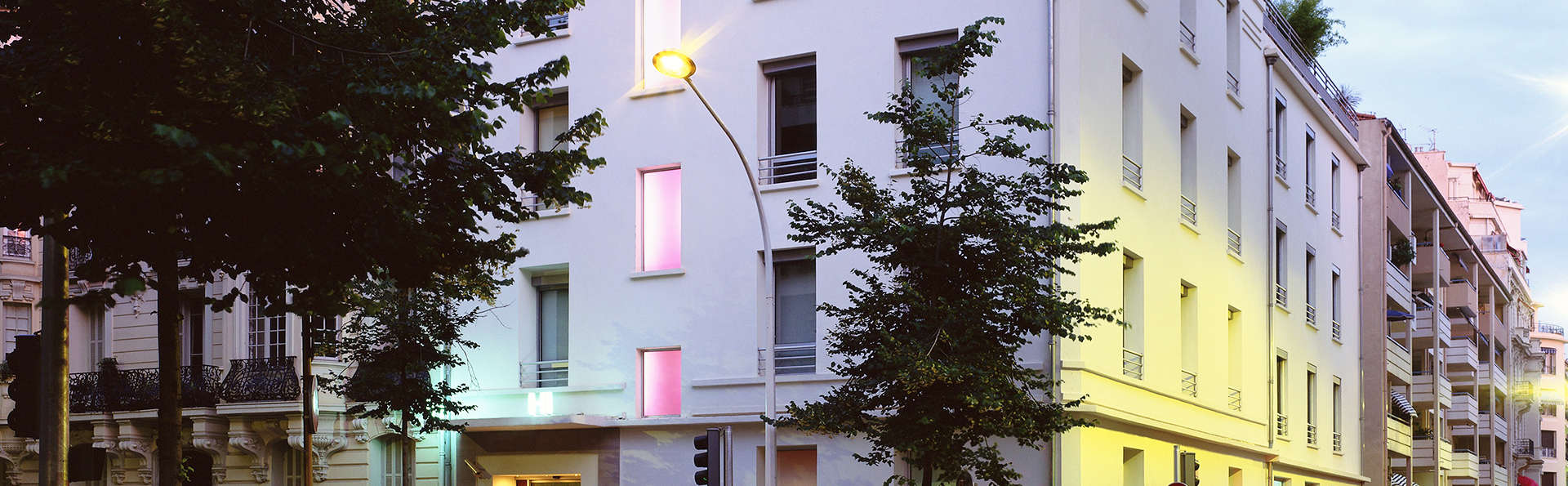 Spity hotel h tel de charme nice for Reservation hotel paca