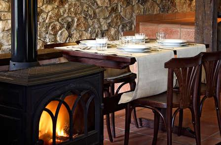 Escapada romántica en loft con spa privado y cena en Guadalajara (desde 2 noches)
