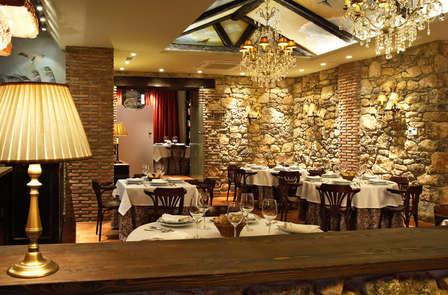Escapada gastronómica: con cena típica regional en habitación superior cerca de Sigüenza