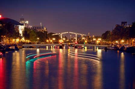 3-sterren in Amsterdam nabij de Amstel, geniet van een canal cruise door Amsterdam