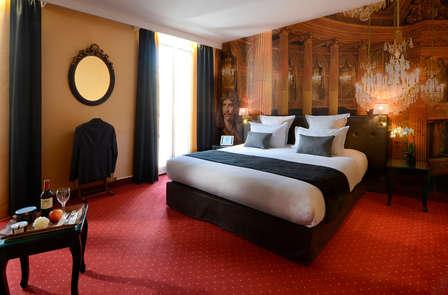 Week-end romantique en chambre supérieure à Versailles
