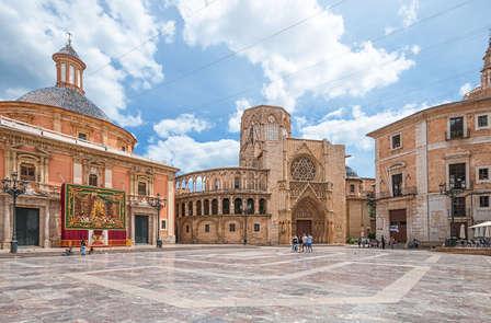 Escapada city trip en Valencia con visita guiada, horchata y fartons