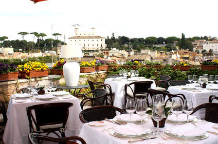 Lujo en el corazón de Roma con cena gastronómica
