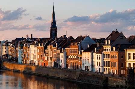 Natuur, shoppen en winterse gezelligheid bij Maastricht
