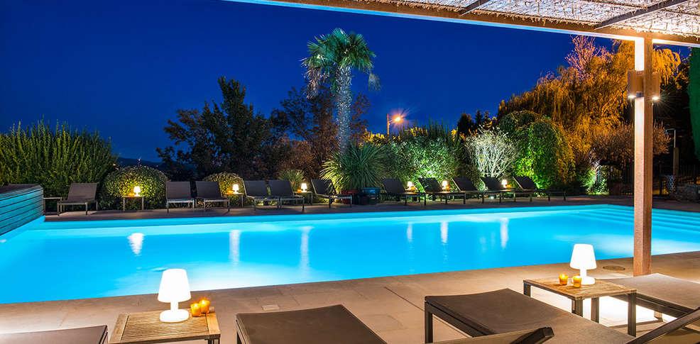 Week end de charme aups avec ap ritif partir de 171 for Hotel baie de somme avec piscine