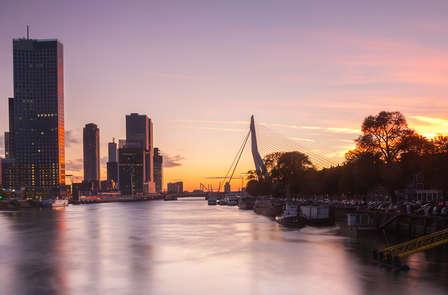 Een comfortabele overnachting in de buurt van Rotterdam, ontdek de stad per hop on hop off bus
