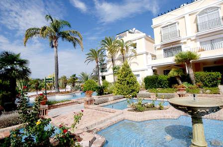 Mini Vacaciones en Adosado a precio de apartamento en Marbella (desde 3 noches)