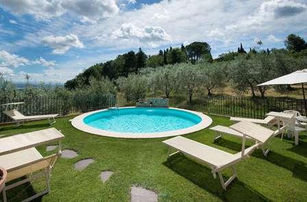 Vacanze enogastronomiche in Toscana: degustazione di vini in una cantina tipica (da 2 notti)