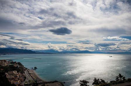 Uitzicht op de kust van Amalfi in een deluxe kamer