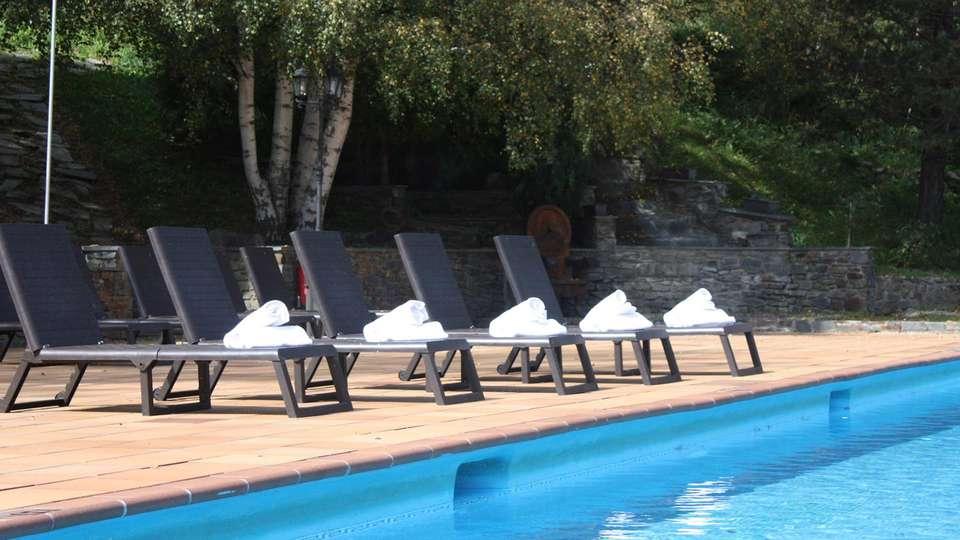 Hotel Sant Gothard - edit_pool4.jpg