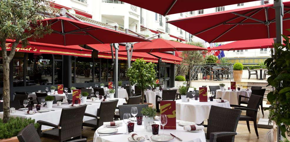 H tel barri re le majestic cannes h tel de charme cannes for Reservation hotel paca