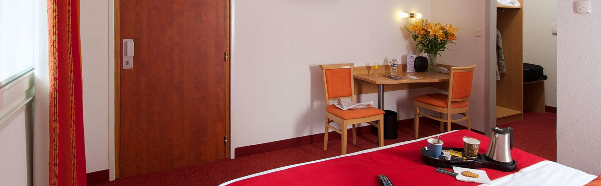 Kyriad Quimper - Pont-l'Abbé - EDIT_room1.jpg