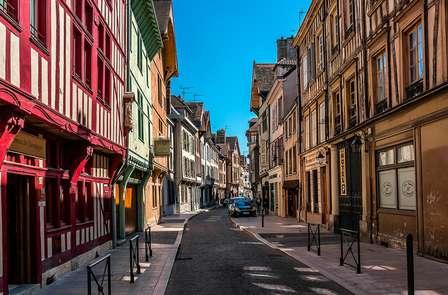 Découvrez le centre médiéval de la ville de Troyes