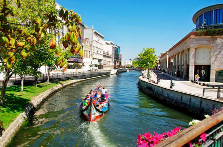 Especial verano : Romanticismo con paseo en moliceiro por los canales de Aveiro (desde 3 noches)