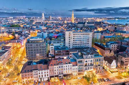 Ontdek het geheim van de stad Antwerpen in een Old Timer