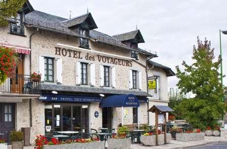 Week-end romantique avec spa privatisé dans un village de charme du Cantal
