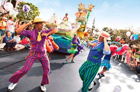 Diversión en pareja con entrada a los 2 parques Disney (1 día / 2 parques)