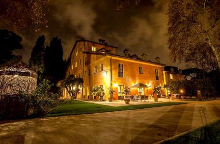Lusso e benessere a Fiumicino: camera con accesso SPA incluso!