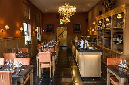 Wijn en diner in voormalig klooster in Sittard (vanaf 2 nachten)