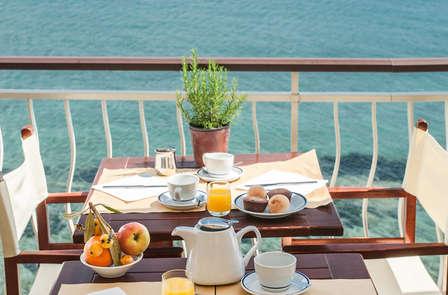 Relax in Liguria a due passi da Imperia con camera vista mare