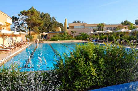 Relax in un resort a due passi dalla spiaggia ad Amantea