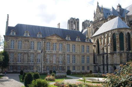 Stedentripje in Reims met bezoek aan het paleis van Tau