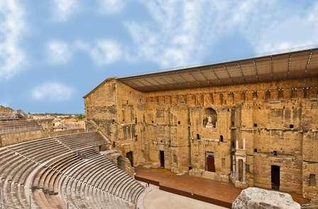 Vie de château et visite du théâtre antique d'Orange