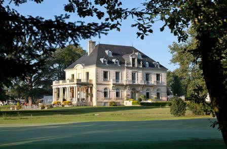 Champagne et romance dans un manoir près de Poitiers
