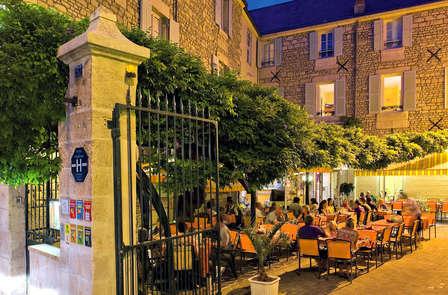 Dégustation de vins et dîner à Fontenay-le-Comte (à partir de 2 nuits)