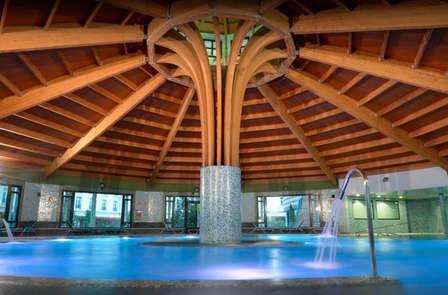 Especial Tratamiento - Balneario de Solares con piscina termal y masajes solares