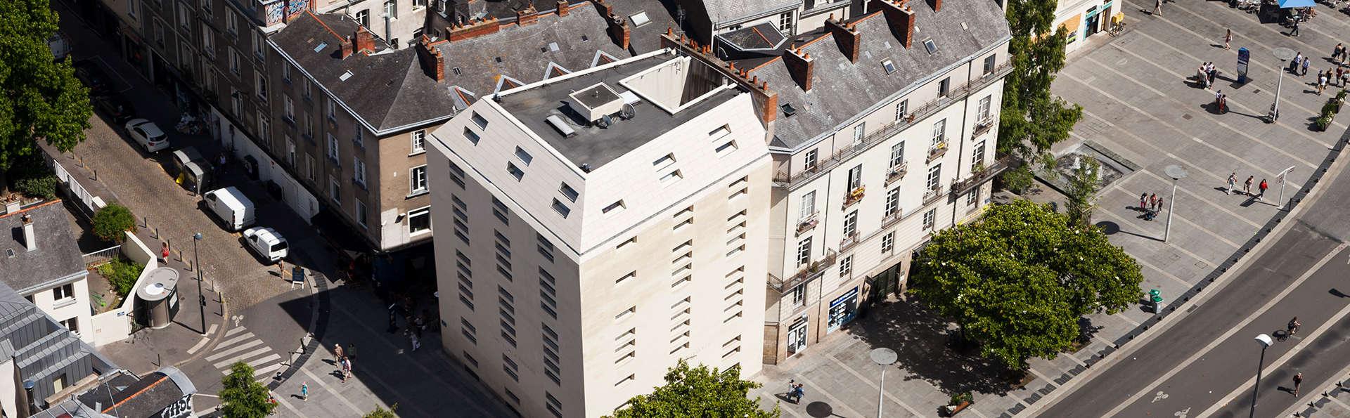 Hôtel La Pérouse - edit_front1_new.jpg
