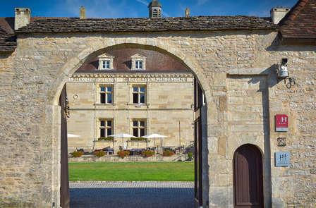 Dormez dans un château du XVIème siècle en Bourgogne