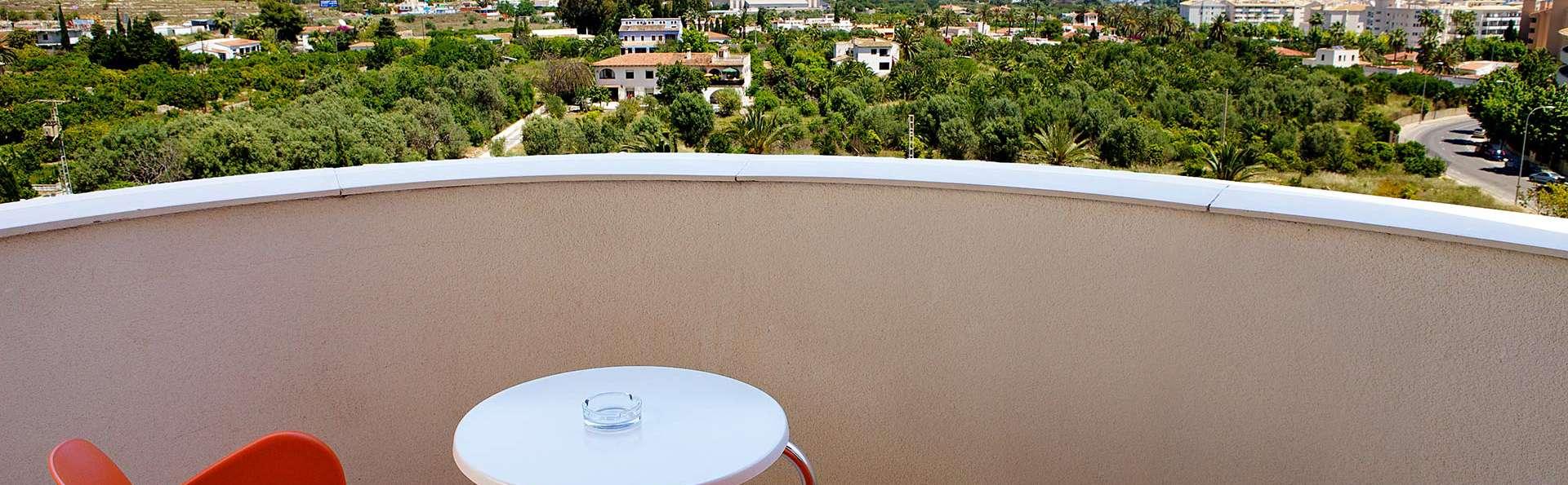 Albir Playa hotel & spa - EDIT_privatebalcony.jpg