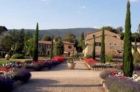 Soggiorno nel cuore della campagna Toscana con degustazione di prodotti locali