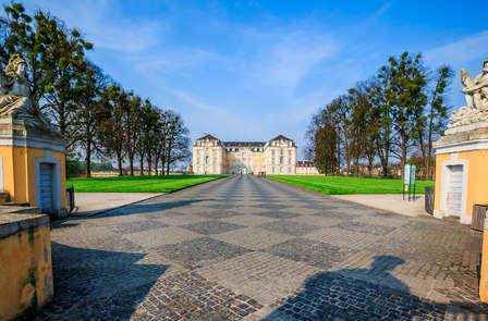 Bezoek de kastelen en musea van Brühl tijdens een cultureel verblijf nabij Keulen
