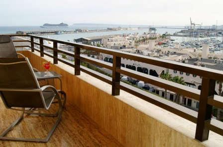 Vistas al Puerto en un 4* privilegiado en Alicante con circuito Spa