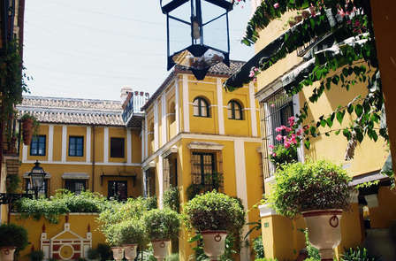 Escapada con bañera de hidromasaje privada en Sevilla
