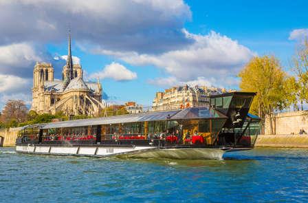 Scopri il cuore di Parigi con un giro in barca sulla Senna