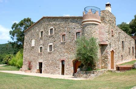 Romanticismo in un antico casale alle porte di Girona