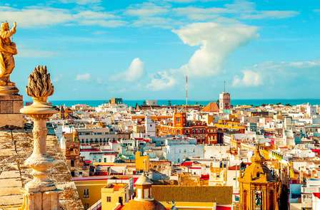 Minivacaciones en Cádiz en habitación superior con visita guiada y a 3 minutos a pie de la playa
