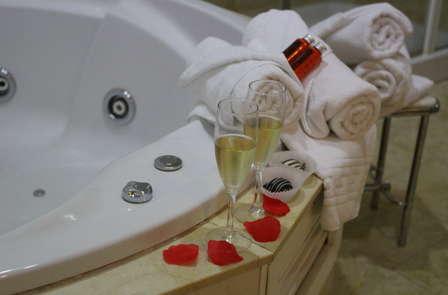 Escapada in Love en suite con bañera hidromasáje en Águilas