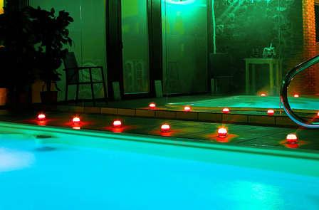 Escapada relax con spa privado y cava en habitación con hidromasaje