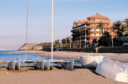 ¡Oferta Exclusiva! Descubre Sitges con una cena y spa