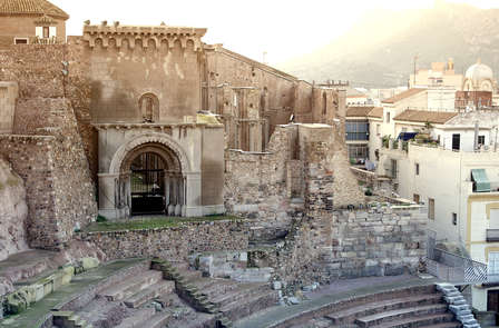 Escapada cultural: Descubre Cartagena en Bicicleta (desde 2 noches)
