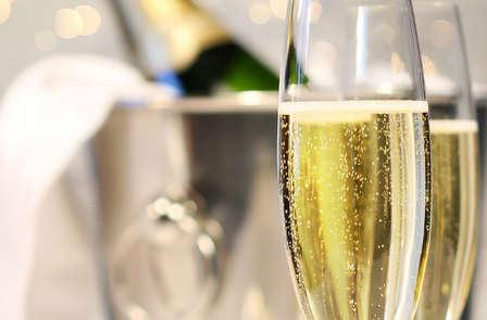 Saint-Valentin : Week-end romantique avec champagne et macarons près de Disneyland® Paris