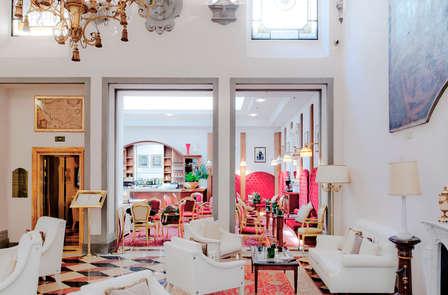 Tra i monumenti e i musei di Firenze in un hotel di lusso 5*