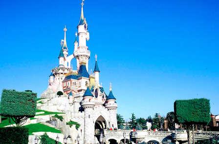 Escapada mágica con entrada para los 2 parques Disney®