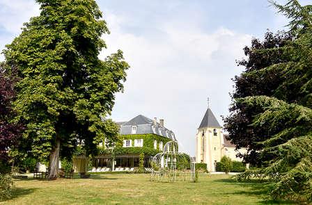 Château-hôtel de charme au cœur d'un grand parc à 30 minutes de Paris